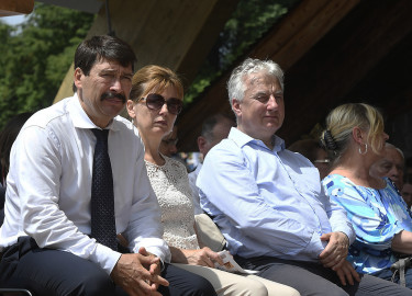 ÁDER János; HERCZEGH Anita; SEMJÉN Zsolt; KÁSLER Miklós