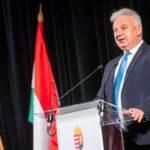 Semjén Zsolt miniszterelnök-helyettes, nemzetiségekért is felelős tárca nélküli miniszter beszédet mond a Pro Cultura Minoritatum Hungariae díjak átadóünnepségén a fővárosi Bolgár Művelődési Házban 2021. május 17-én. A magyarországi nemzetiségek kultúrájáért végzett tevékenységek szakmai elismerésében 13 személy, illetve szervezet részesült (Fotó: MTI / Balogh Zoltán)